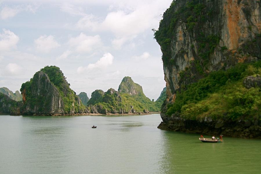 IMG_2398_Vietname_Ha_Long_bay_sm.jpg