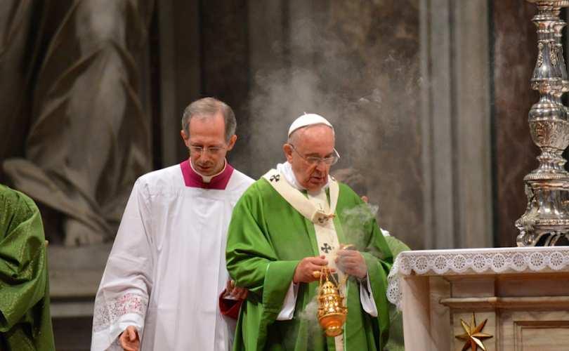 Pope_Francis_2014_00_55_s_c1.jpg